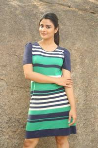 Actor Priyanka Sharma in 143, Actor Priyanka Sharma photos, videos in 143
