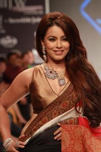 Actor Mahima Chaudhry in Kaanchi..., Actor Mahima Chaudhry photos, videos in Kaanchi...