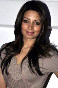 Actor Shama Sikander in Bypass Road, Actor Shama Sikander photos, videos in Bypass Road