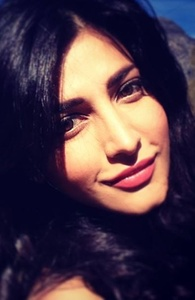 Actor Shruti Haasan in Gabbar is Back, Actor Shruti Haasan photos, videos in Gabbar is Back