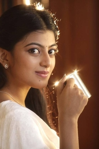 Actor Anandhi in Kamali From Nadukkaveri, Actor Anandhi photos, videos in Kamali From Nadukkaveri