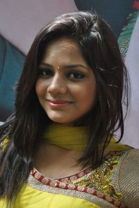 Actor Aishwarya Dutta in Marainthirunthu Paarkum Marmam Enna, Actor Aishwarya Dutta photos, videos in Marainthirunthu Paarkum Marmam Enna