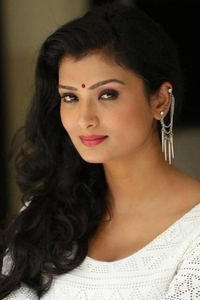 Actor Ishita Vyas  in Gabbar is Back, Actor Ishita Vyas  photos, videos in Gabbar is Back
