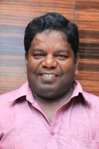 Actor Crane Manohar in Guru Uchaththula Irukkaru, Actor Crane Manohar photos, videos in Guru Uchaththula Irukkaru