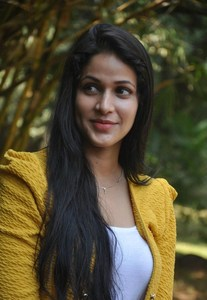Actor Lavanya Tripathi in Vunnadhi Okate Zindagi, Actor Lavanya Tripathi photos, videos in Vunnadhi Okate Zindagi