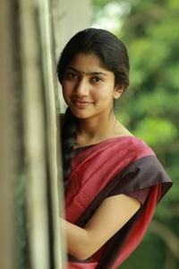 Actor Sai Pallavi in MCA (Middle Class Abbayi), Actor Sai Pallavi photos, videos in MCA (Middle Class Abbayi)