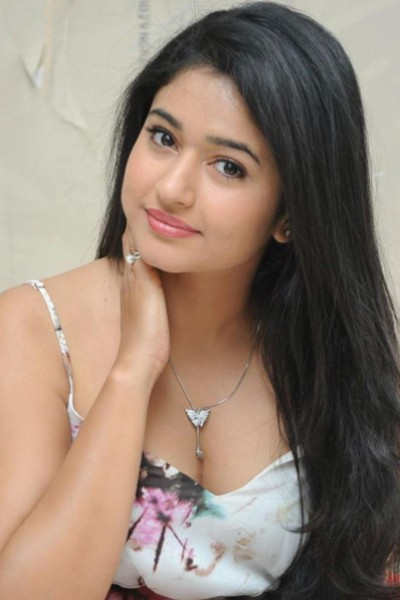 Movie Poonam Bajwa Photos, Videos, Reviews