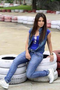 Actor Alisha Abdullah in Irumbu Kuthirai, Actor Alisha Abdullah photos, videos in Irumbu Kuthirai
