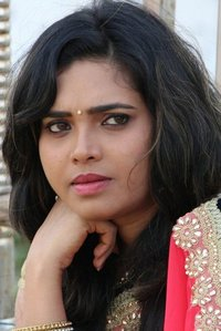Actor Ishara Nair in Ivan Yarendru Therikiratha, Actor Ishara Nair photos, videos in Ivan Yarendru Therikiratha