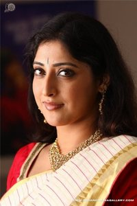Actor Lakshmi Gopalaswamy in Aruvi, Actor Lakshmi Gopalaswamy photos, videos in Aruvi