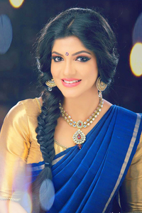 Actor Aparna Balamurali in 8 Thottakkal, Actor Aparna Balamurali photos, videos in 8 Thottakkal