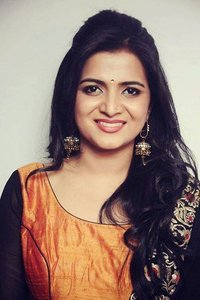 Actor Dhivyadharshini in Pa Paandi, Actor Dhivyadharshini photos, videos in Pa Paandi