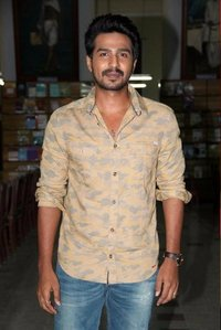 Vishnu Vishal to play as Assistant director in his next