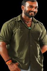 Actor Sugunthan in Vikram Vedha, Actor Sugunthan photos, videos in Vikram Vedha