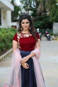 Actor Aathmika in Naragasooran, Actor Aathmika photos, videos in Naragasooran
