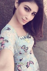 Actor Mouni Roy in Tum Bin 2, Actor Mouni Roy photos, videos in Tum Bin 2