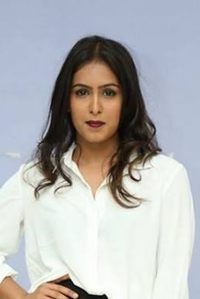 Actor Samyuktha Hegde in Comali, Actor Samyuktha Hegde photos, videos in Comali