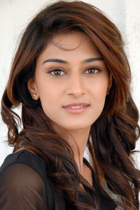 Actor Erica Fernandes in Ainthu Ainthu Ainthu, Actor Erica Fernandes photos, videos in Ainthu Ainthu Ainthu
