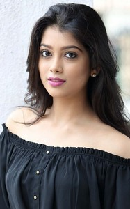Actor Digangana Suryavanshi in Rangeela Raja, Actor Digangana Suryavanshi photos, videos in Rangeela Raja