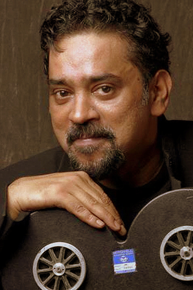 Movie Santosh Sivan Photos, Videos, Reviews