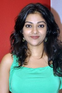 Actor Abhirami in Thuppakki Munai, Actor Abhirami photos, videos in Thuppakki Munai