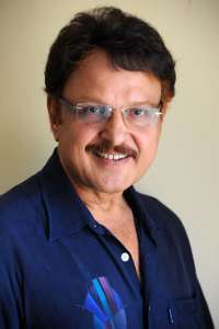Actor Sarath Babu in Entha Manchivaadavuraa, Actor Sarath Babu photos, videos in Entha Manchivaadavuraa