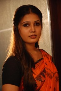 Actor Sandra Amy in Urumeen, Actor Sandra Amy photos, videos in Urumeen
