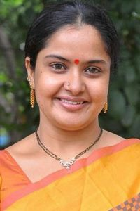 Actor Pragathi in Voter, Actor Pragathi photos, videos in Voter