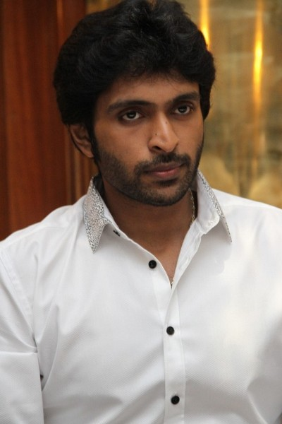 Movie Vikram Prabhu Photos, Videos, Reviews