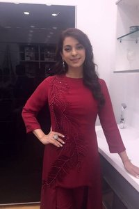 Actor Juhi Chawla in Zero, Actor Juhi Chawla photos, videos in Zero