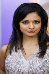Actor Pooja Kumar in Vishwaroopam II, Actor Pooja Kumar photos, videos in Vishwaroopam II