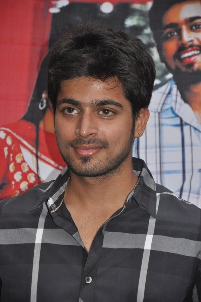 Movie Harish Kalyan Photos, Videos, Reviews