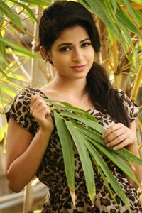 Actor Aiswarya in Tamil Padam 2, Actor Aiswarya photos, videos in Tamil Padam 2