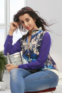 Sanjana Galrani Beautiful Images.