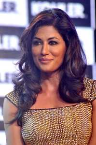 Actor Chitrangada Singh in Gabbar is Back, Actor Chitrangada Singh photos, videos in Gabbar is Back