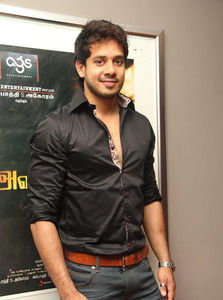 Actor Bharath in Ainthu Ainthu Ainthu, Actor Bharath photos, videos in Ainthu Ainthu Ainthu