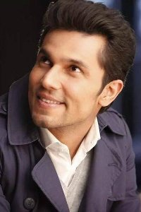 Actor Randeep Hooda in Mere Khwabon Mein Jo Aaye, Actor Randeep Hooda photos, videos in Mere Khwabon Mein Jo Aaye