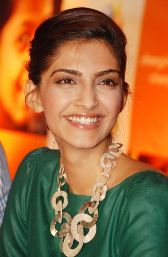 Movie Sonam Kapoor Photos, Videos, Reviews
