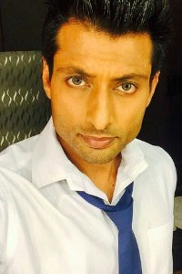Actor Indraneil Sengupta in Children Of War, Actor Indraneil Sengupta photos, videos in Children Of War
