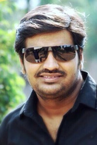 Actor sathish in GajiniKanth, Actor sathish photos, videos in GajiniKanth