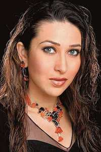 Actor Karisma Kapoor in Zero, Actor Karisma Kapoor photos, videos in Zero