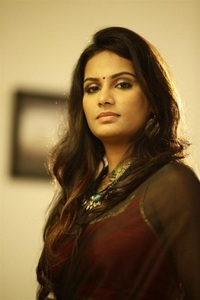 Actor Lakshmi Priyaa Chandramouli in Richie, Actor Lakshmi Priyaa Chandramouli photos, videos in Richie