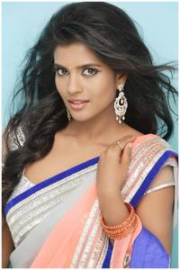 Actor Aishwarya Rajesh in Saamy II, Actor Aishwarya Rajesh photos, videos in Saamy II