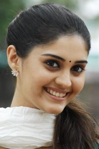 Actor Surabhi in Voter, Actor Surabhi photos, videos in Voter
