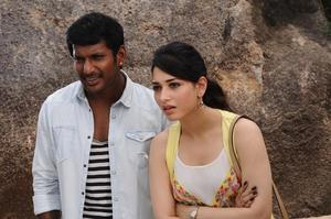 Kaththi Sandai Movie Stills | Vishal, Tamannaah