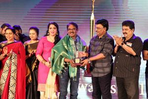 12th We Awards 2016 Event Stills | Bharathiraja, Bhagyaraj, Reka, S ve Sekhar