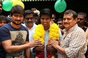 Actor Soori celebrates his birthday in the sets of Udhayanidhi Stalin's next project