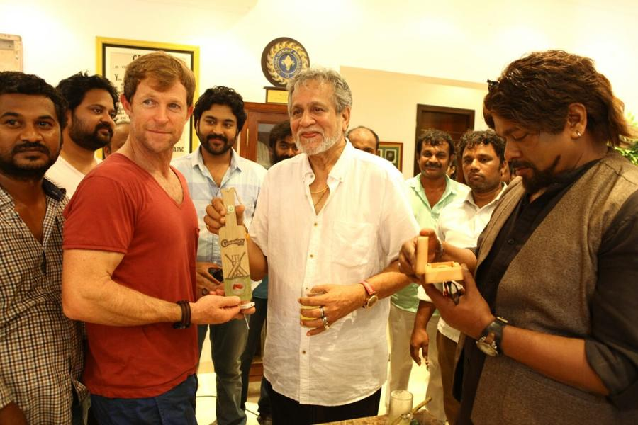 Kayal Chandran, R. Parthiepan with South African Cricketer Jonty Rhodes Stills