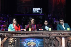 Ajay Devgan on the sets of Super Dancer India show for Shivaay promotions