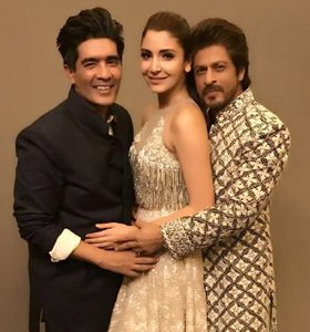 Shah rukh khan, Anushka Sharma and Manish Malhotra at Mijwan Summer 2017 Fashion show
